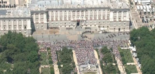 Felipe 6. La coronación más cutre de la Historia (1/3)