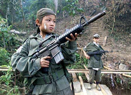 niños-y-guerra-militantes